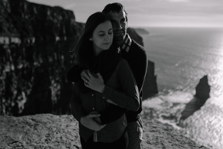 173 cliffs of moher proposal session wedding photographer ireland