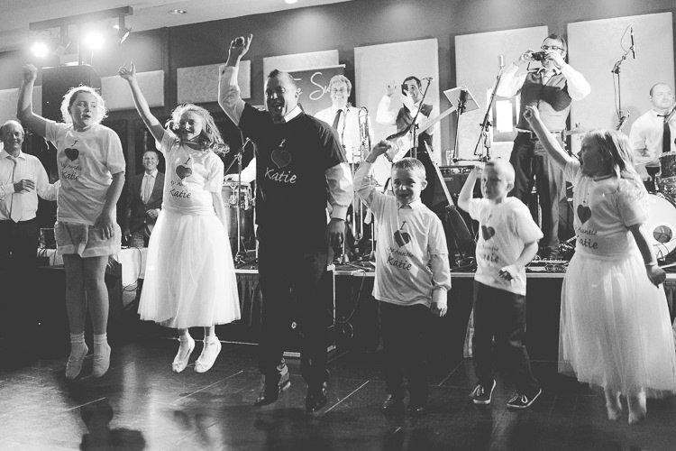 Destiantion-wedding-photographer-ireland-spain-italy-greece-austria-scotland167