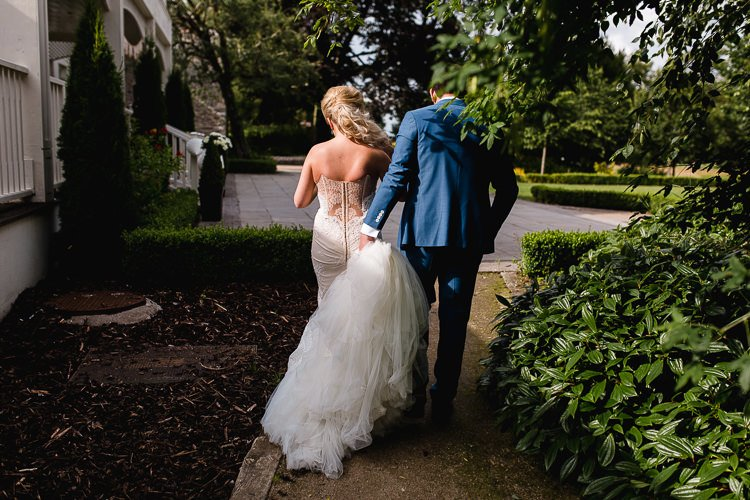 Destiantion-wedding-photographer-ireland-spain-italy-greece-austria-scotland310