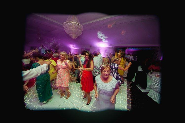 Destiantion-wedding-photographer-ireland-spain-italy-greece-austria-scotland323