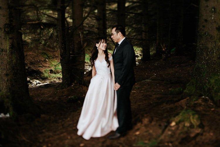 017-Destination-wedding-photographer-ireland-anniversary-session-filipins-couple-in-love