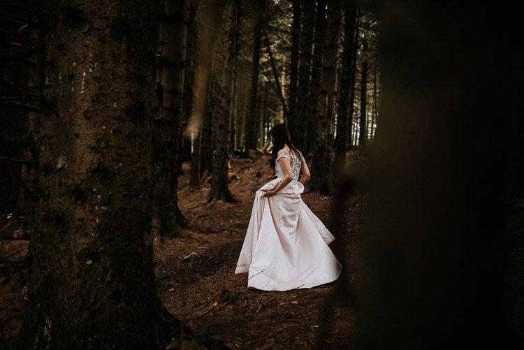 035-Destination-wedding-photographer-ireland-anniversary-session-filipins-couple-in-love