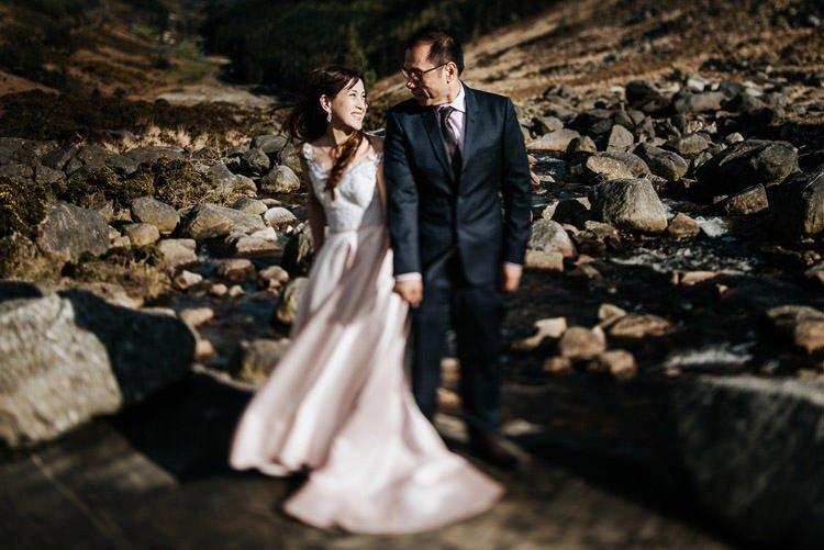054-Destination-wedding-photographer-ireland-anniversary-session-filipins-couple-in-love
