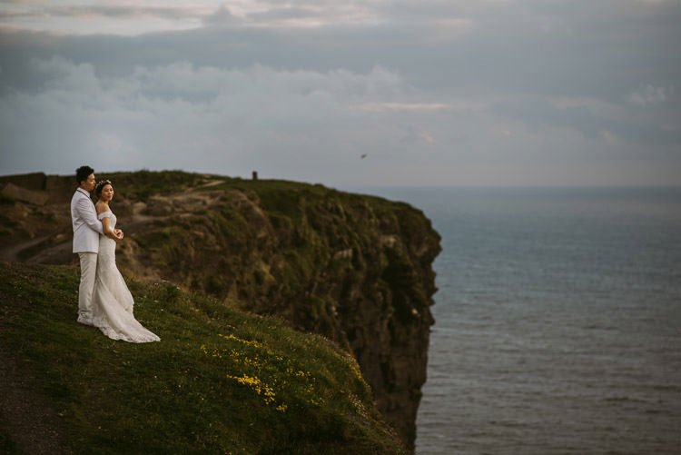 046-cliffs-of_moher-intimate-elopement-wedding_session