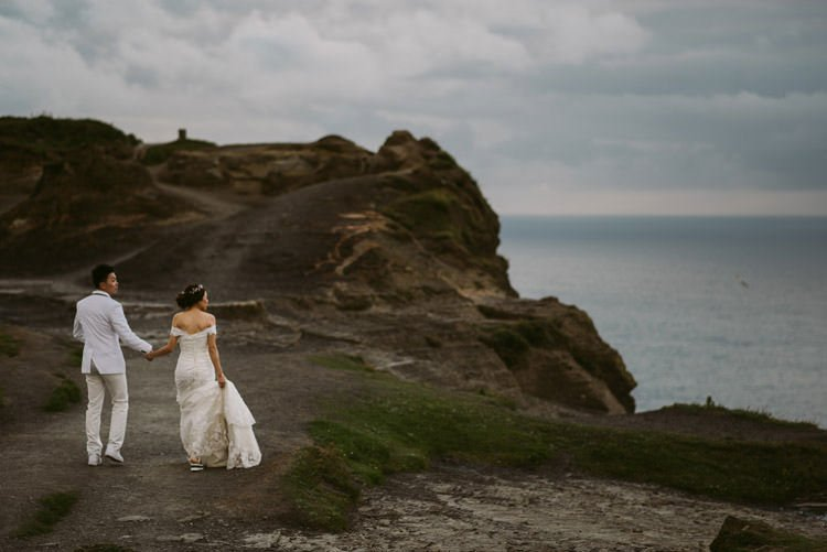 052-cliffs-of_moher-intimate-elopement-wedding_session