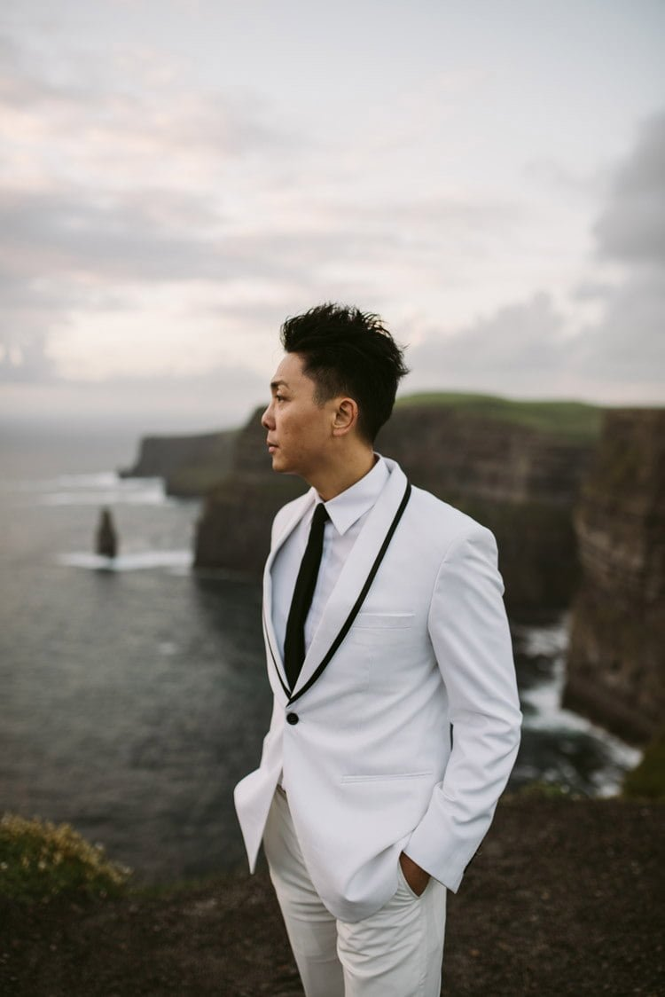 075-cliffs-of_moher-intimate-elopement-wedding_session
