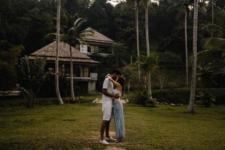 003 thailand wedding photographer koh samui love session couple in love