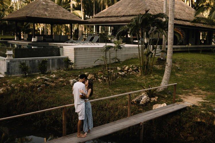 025 thailand wedding photographer koh samui love session couple in love