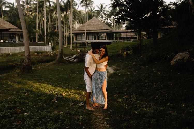 040 thailand wedding photographer koh samui love session couple in love