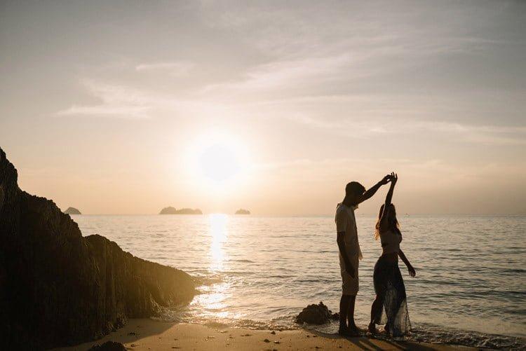 070 thailand wedding photographer koh samui love session couple in love