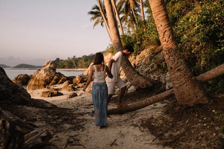 077 thailand wedding photographer koh samui love session couple in love