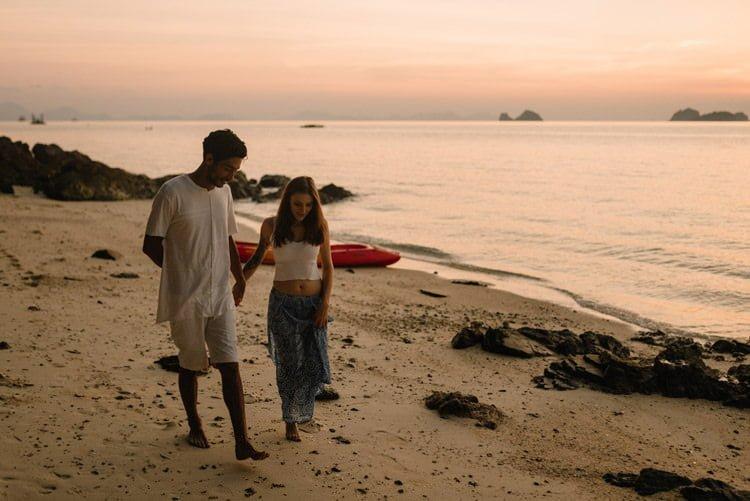 112 thailand wedding photographer koh samui love session couple in love