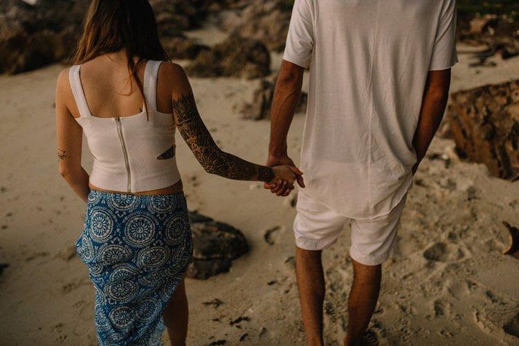 115 thailand wedding photographer koh samui love session couple in love