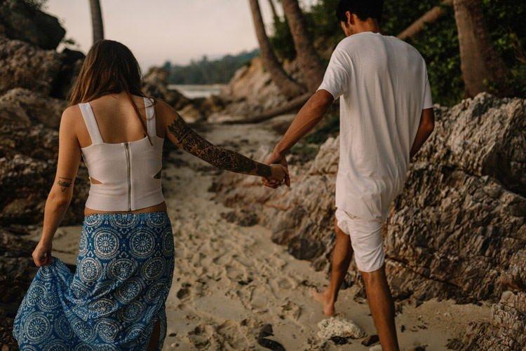 116 thailand wedding photographer koh samui love session couple in love