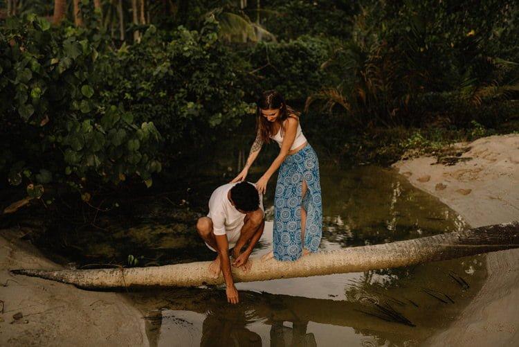 123 thailand wedding photographer koh samui love session couple in love
