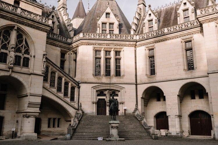 106 photographe de mariage paris destination wedding photographer france chateau de pierrefonds