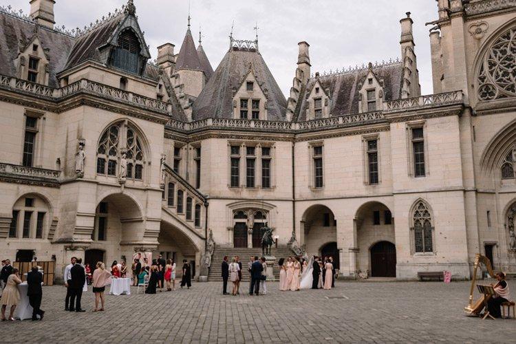 111 photographe de mariage paris destination wedding photographer france chateau de pierrefonds