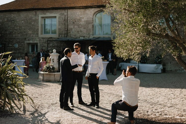 331 mariage au mas des thyms a arles south of france wedding
