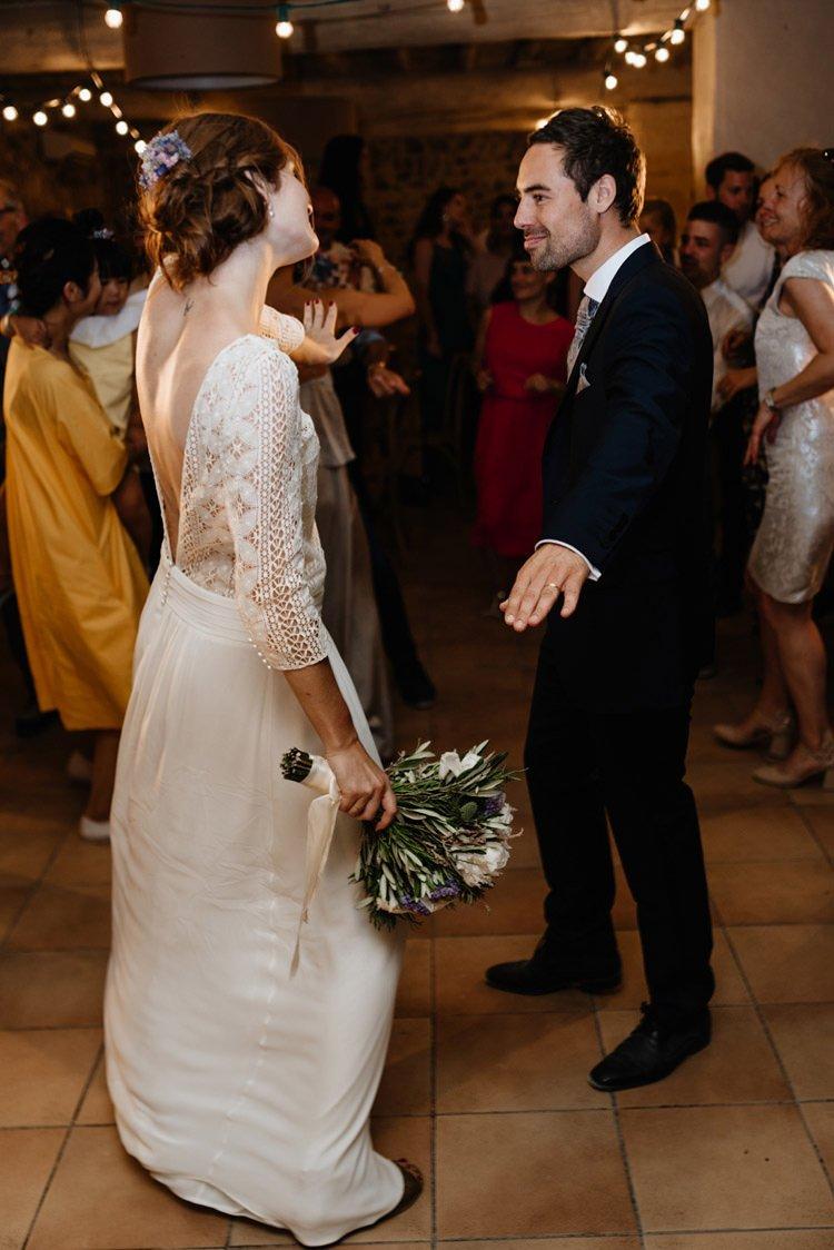 415 mariage au mas des thyms a arles south of france wedding