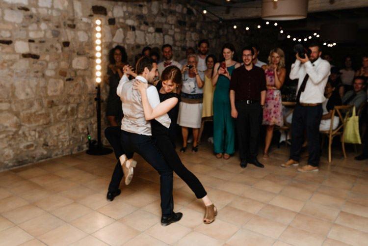 472 mariage au mas des thyms a arles south of france wedding