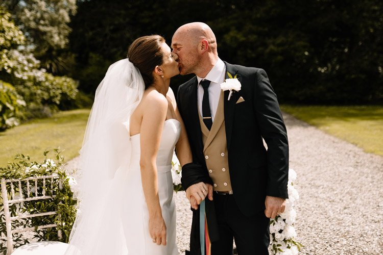 080 summer outdoor wedding at marlfield house wedding photographer