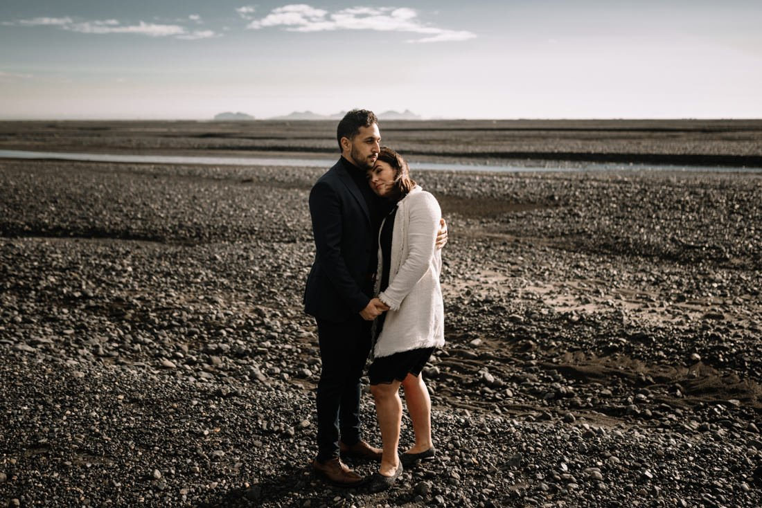 017 engagement session iceland intimate session in mountians