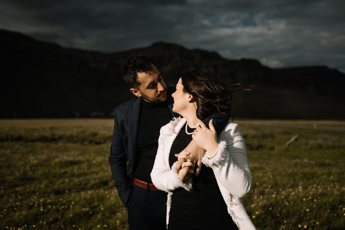 025 engagement session iceland intimate session in mountians