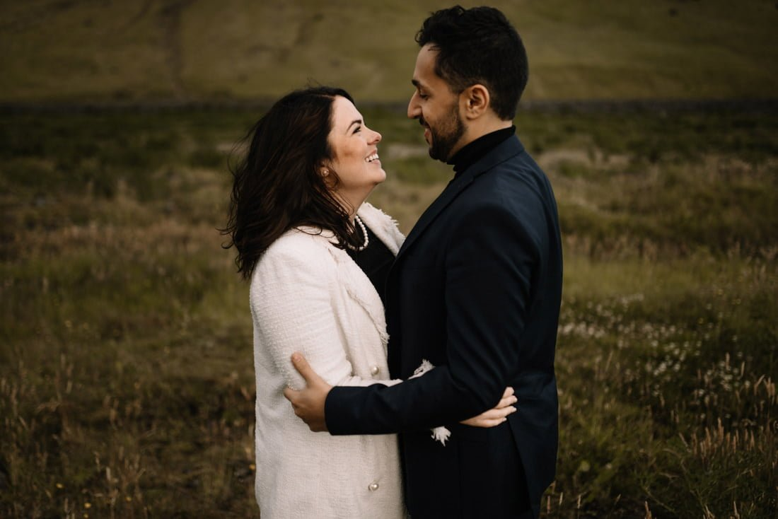 032 engagement session iceland intimate session in mountians