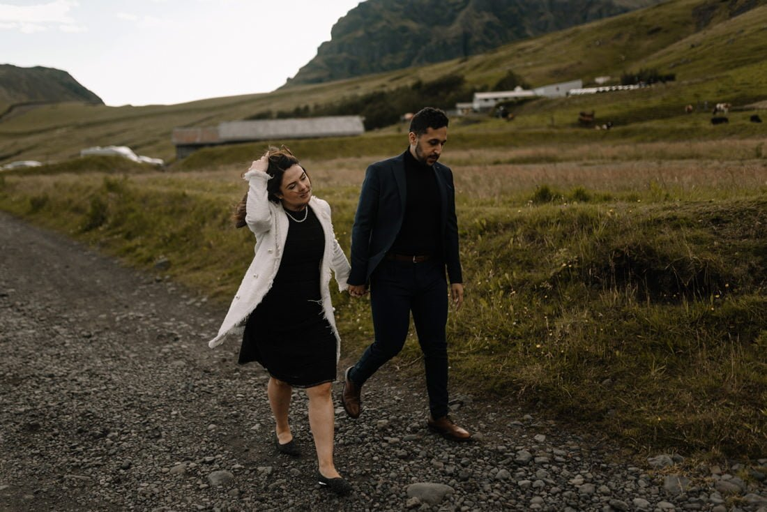 033 engagement session iceland intimate session in mountians