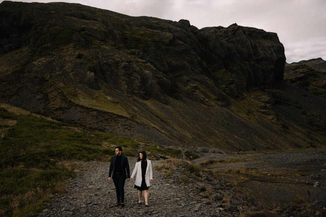 040 engagement session iceland intimate session in mountians