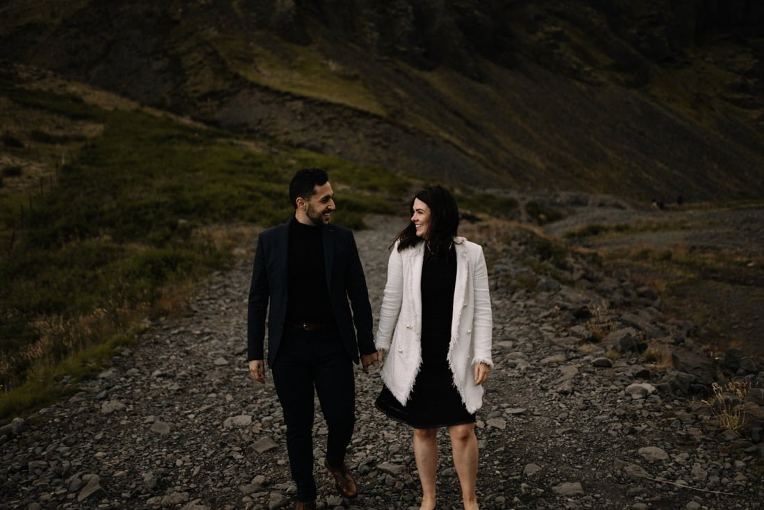 041 engagement session iceland intimate session in mountians