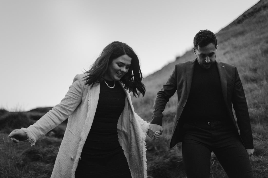 067 engagement session iceland intimate session in mountians