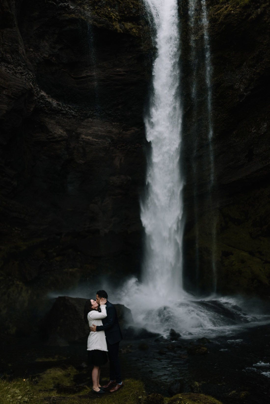 070 engagement session iceland intimate session in mountians