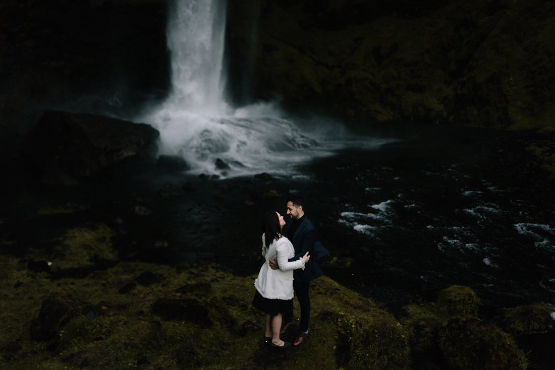 072 engagement session iceland intimate session in mountians