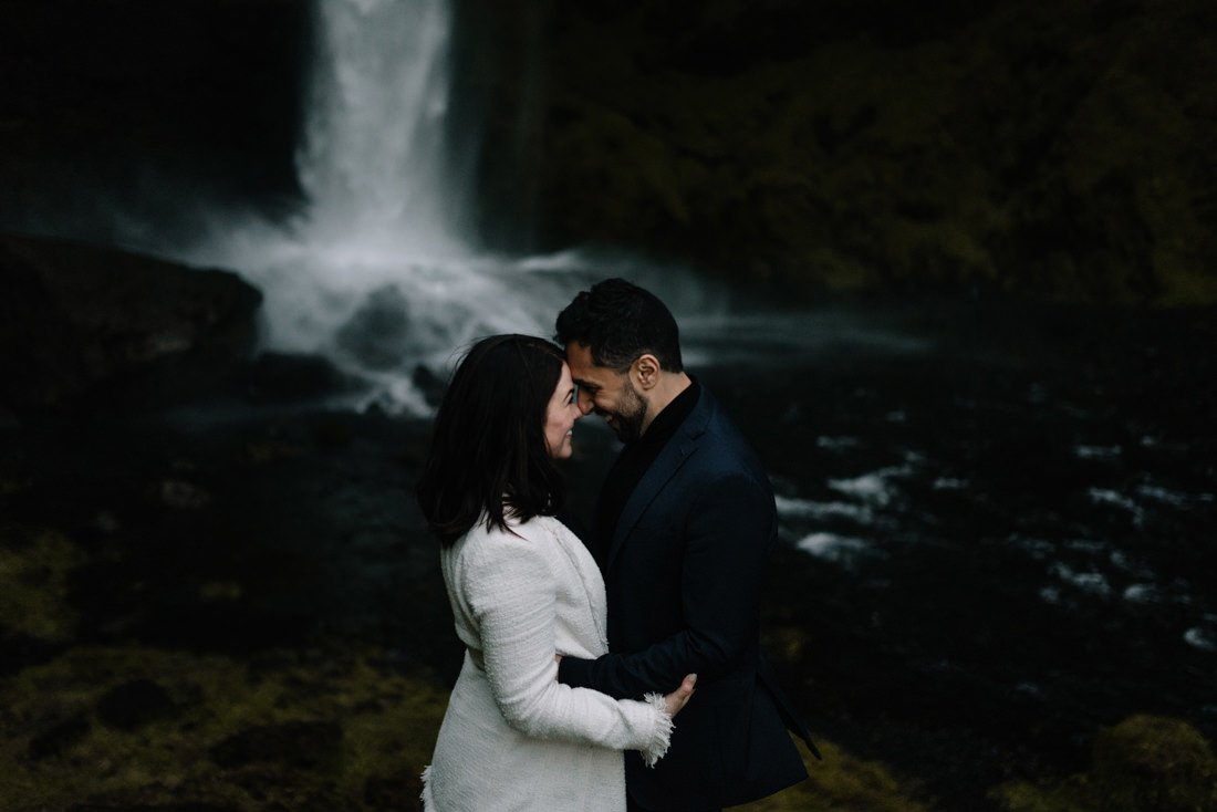 075 engagement session iceland intimate session in mountians