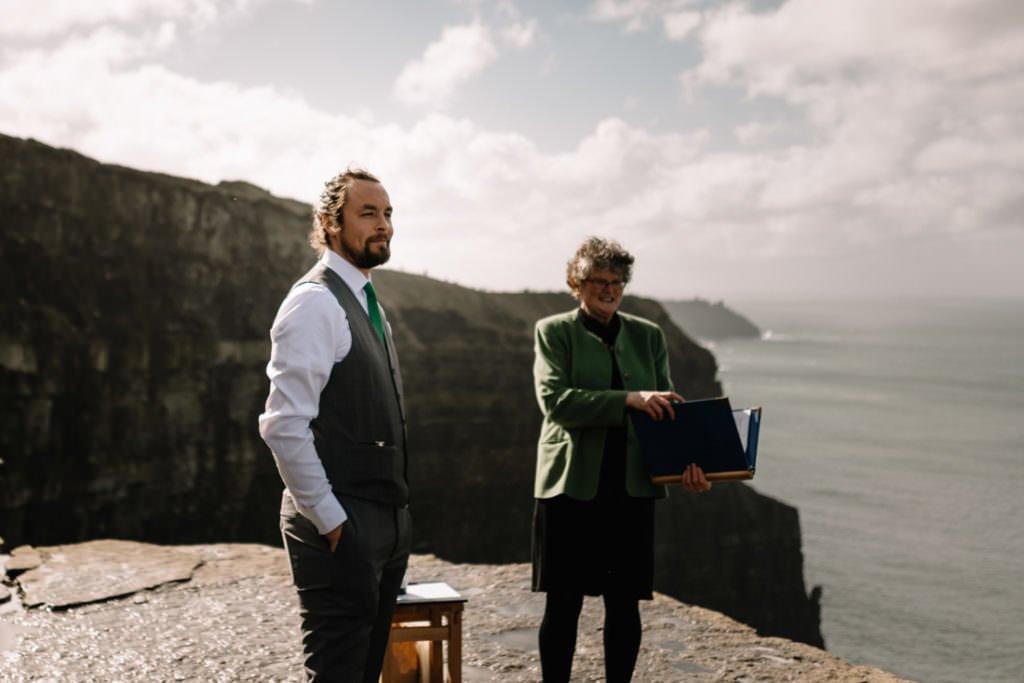 048 cliffs of moher elopement wedding photographer doolin