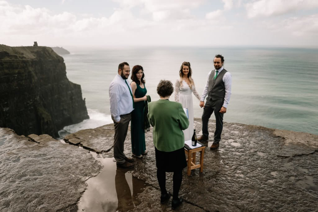 052 cliffs of moher elopement wedding photographer doolin