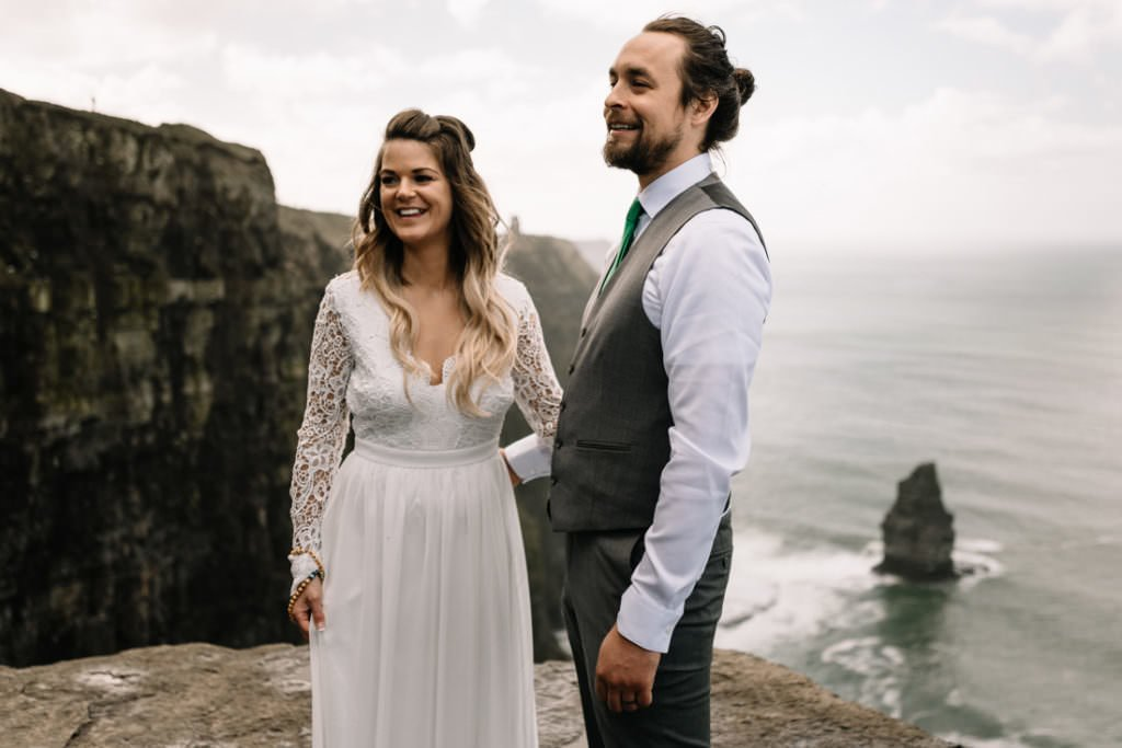 053 cliffs of moher elopement wedding photographer doolin