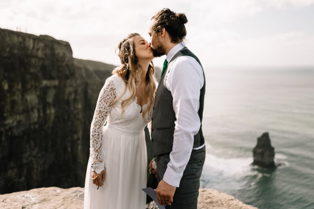 066 cliffs of moher elopement wedding photographer doolin