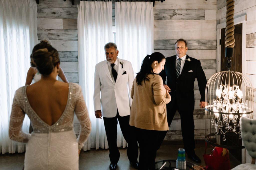 074 big sky barn wedding photographer mongomery texas