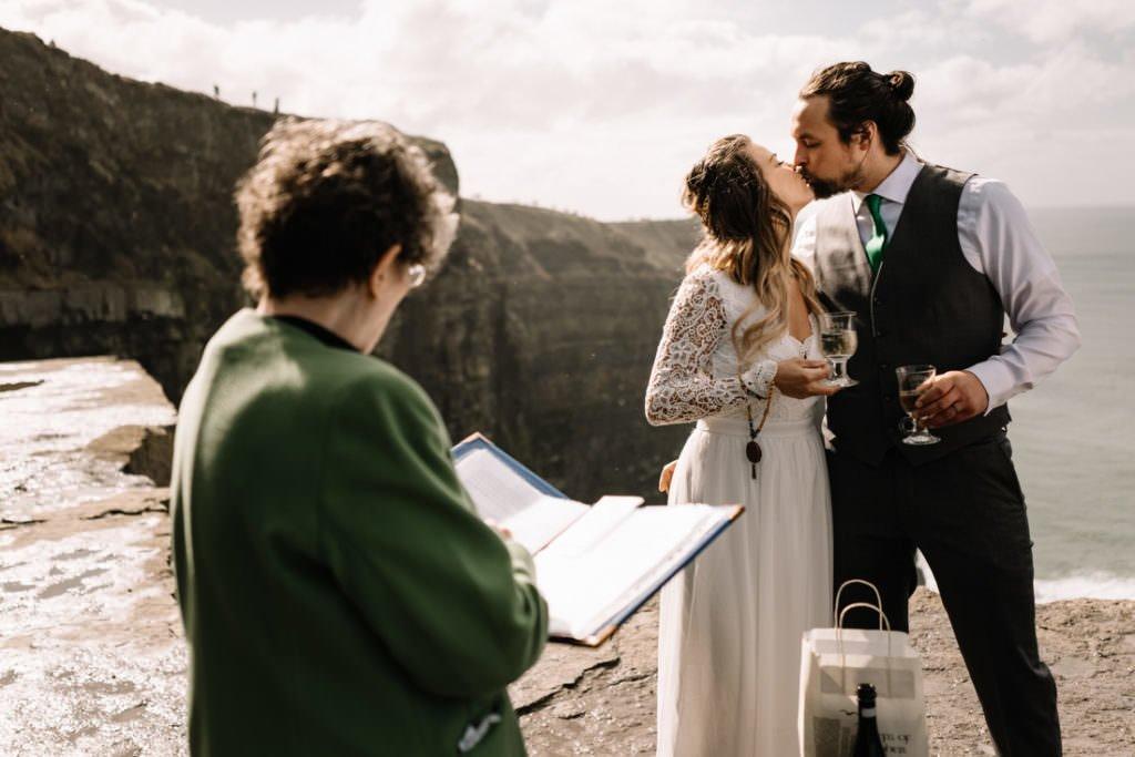 077 cliffs of moher elopement wedding photographer doolin