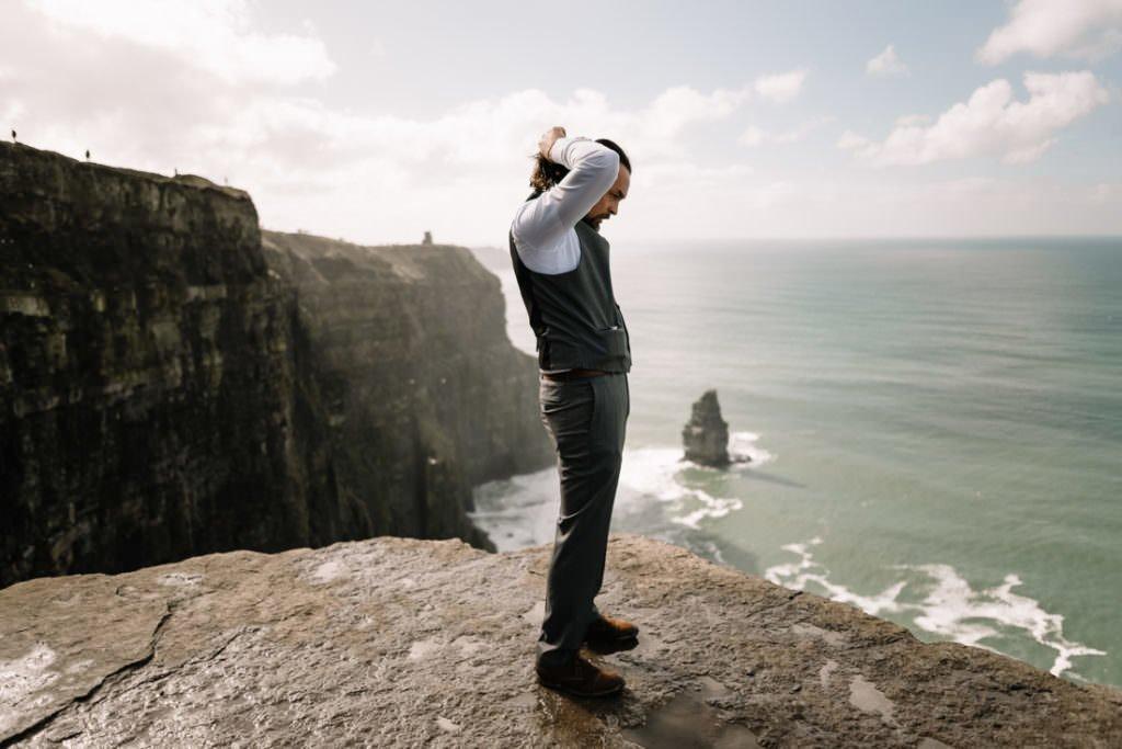 081 cliffs of moher elopement wedding photographer doolin