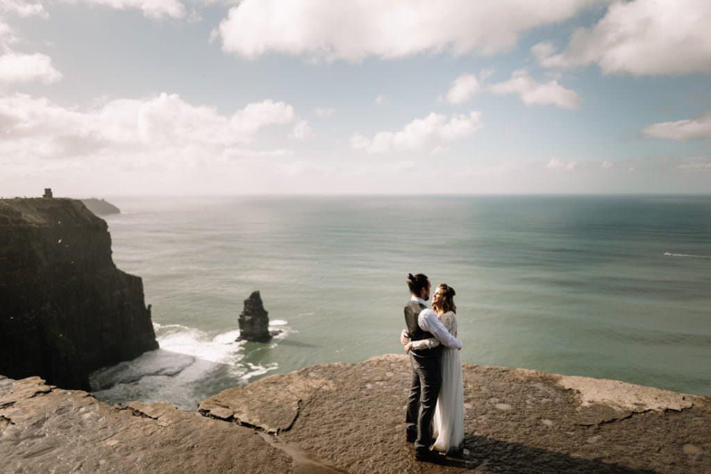 083 cliffs of moher elopement wedding photographer doolin