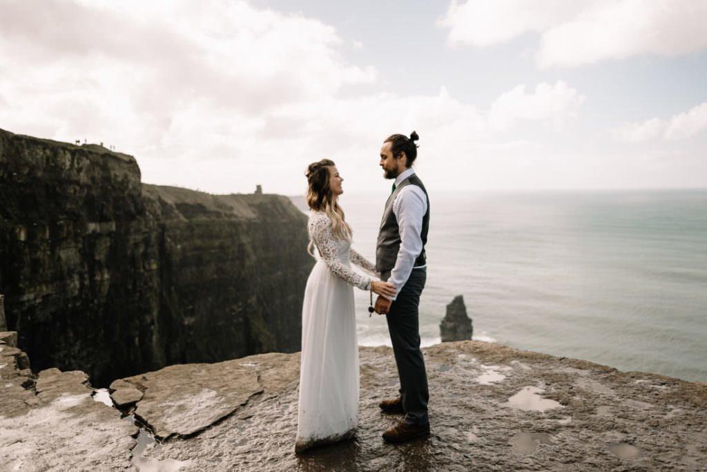 086 cliffs of moher elopement wedding photographer doolin