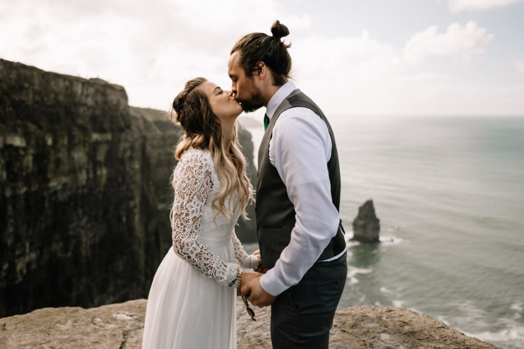 087 cliffs of moher elopement wedding photographer doolin