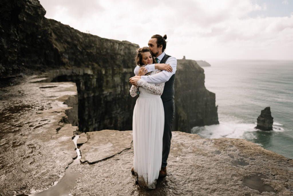 092 cliffs of moher elopement wedding photographer doolin