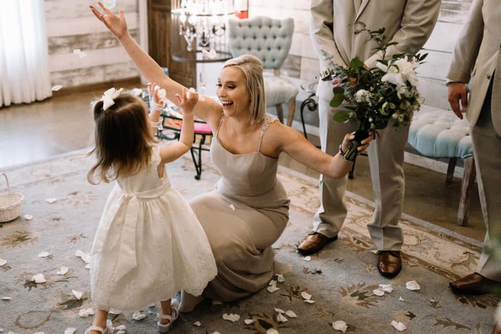 108 big sky barn wedding photographer mongomery texas