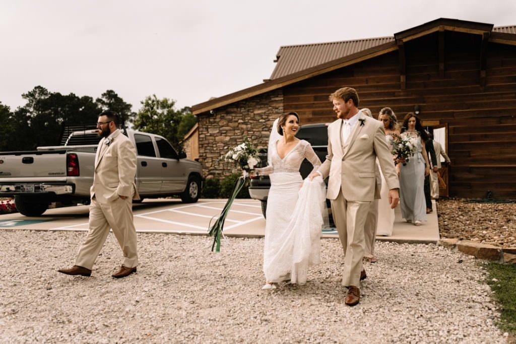 109 big sky barn wedding photographer mongomery texas