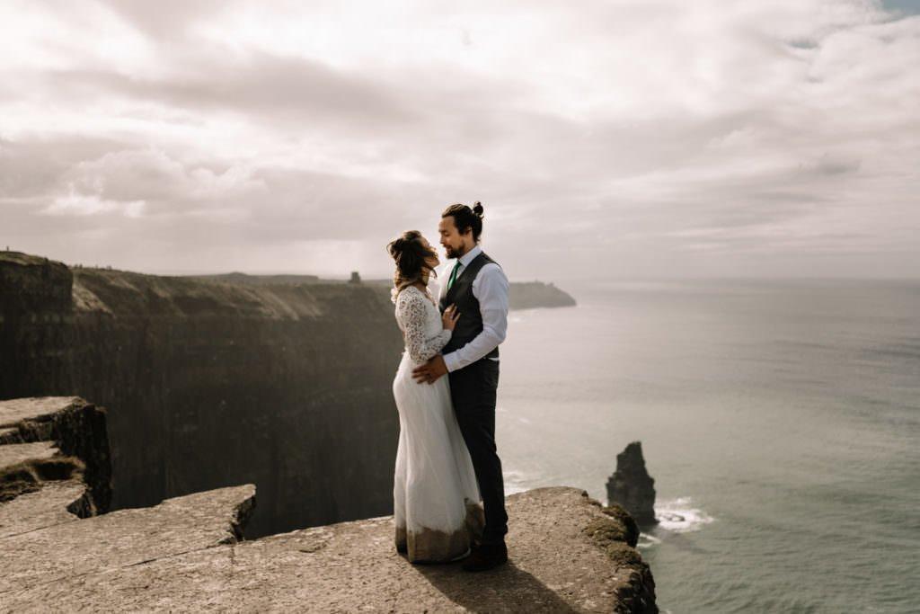 114 cliffs of moher elopement wedding photographer doolin