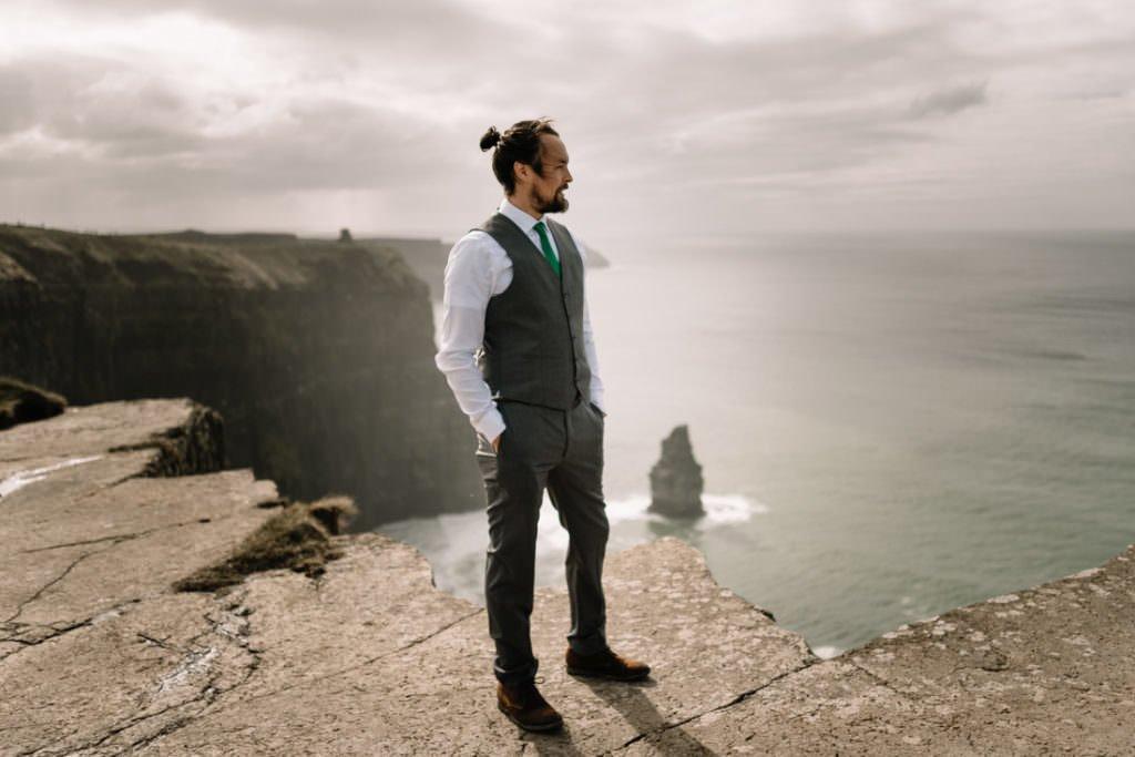 116 cliffs of moher elopement wedding photographer doolin